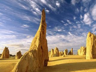 обои Большие камни в пустыне фото