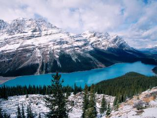 обои Маленькое озеро в горах, Канада фото