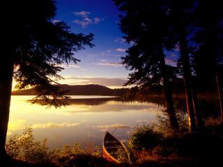 обои Озеро в лесу вечером, Канада фото