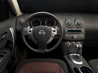 обои Nissan Rogue 2010 салон прямо фото