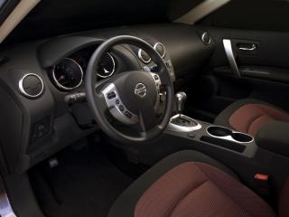обои Nissan Rogue 2010 салон сбоку фото