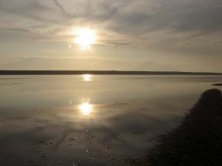 обои Закат и его отражение в воде фото