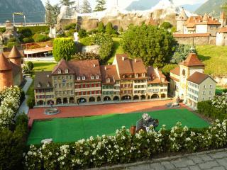 обои Швейцария, миниатюрная улочка Лугано фото