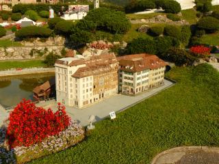 обои Швейцария, домики у пристани в Лугано фото