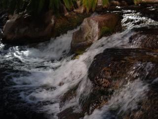обои Бурный водопад фото