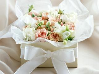 обои Полная коробка цветочков, и обвазанно все бантиком фото