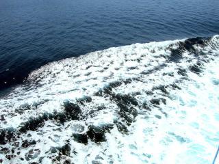 обои Волны от катера фото
