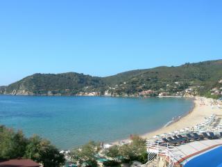 обои Залив у берегов Тосканы фото