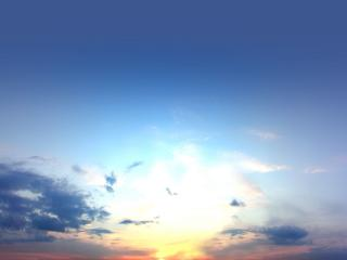 обои СОлнце выглядывает из-за облаков фото