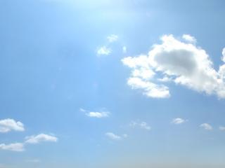 обои Белые облака в голубом небе фото