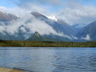 обои Радуга над горным озером фото