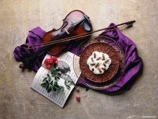 обои Скрипка, ноты и торт фото