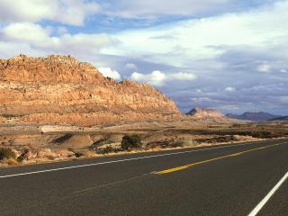 обои Дорога в пустыне фото