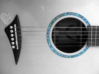 обои Гитара с сердечком фото