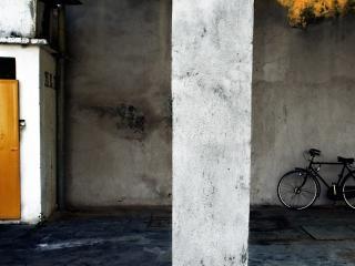 обои Велосипед у стены фото