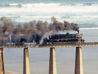 обои Поезд на Английском мосту фото