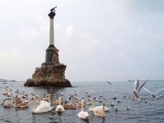 обои Памятник затопленным кораблям фото