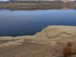 обои Вода в пустыне фото