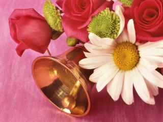 обои колокольчик с цветами фото