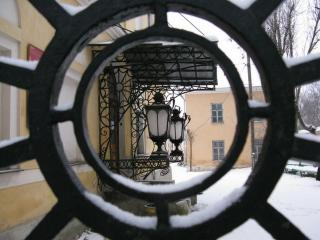 обои Калуга,   фонари у краеведческого музея фото