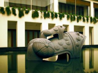 обои Скульптура в холле фото