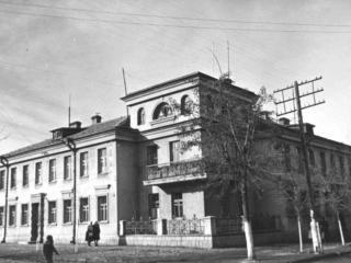 обои Симферополь - Еловая улица фото