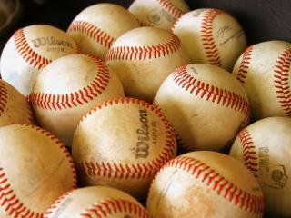 обои для рабочего стола: Мячи для крикета (Wide scr)