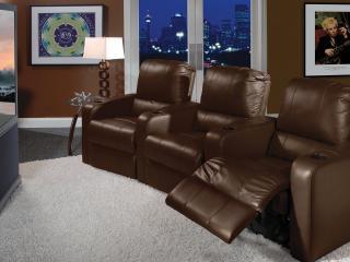 обои Домашний кинотеатр 3D, с коричневыми кожаными креслами фото