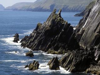 обои для рабочего стола: Скалистое побережье в Ирландии