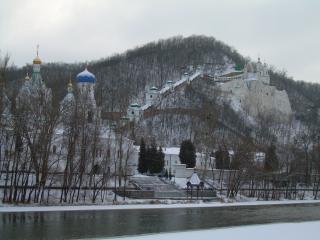 обои Святогорск на реке фото