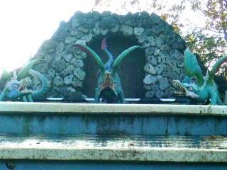 обои Драконы. Убранство руинного каскада фото