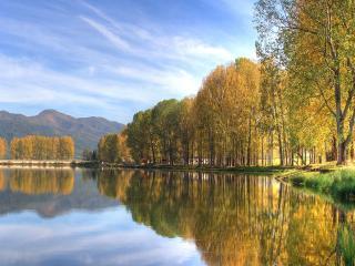 обои Осень на воде фото