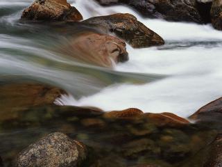 обои Бегущая вода фото