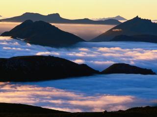 обои Облака в горах фото