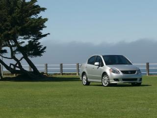 обои Suzuki SX4 на траве фото