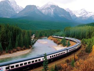 обои Train Crossing Banff National Park of Canada фото