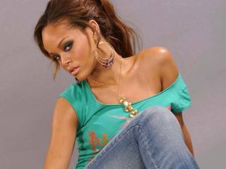 обои Rihanna - Disturbia фото