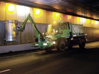 обои Mercedes-Benz Unimog приспособление для чистки стен фото