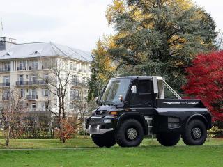 обои Mercedes-Benz Unimog у дома фото