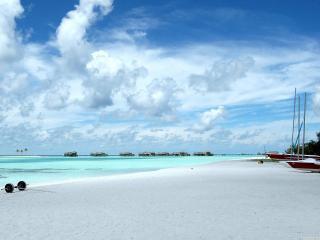 обои Тихий морской пляж фото