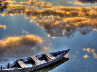 обои для рабочего стола: Лодка на воде