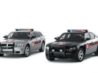 обои для рабочего стола: Dodge magnum вид двух машин