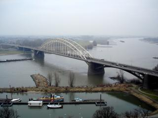обои Вид на реку Ваал. Неймеген фото