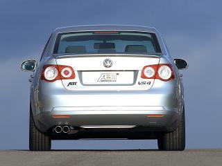 обои VW Jetta вид авто сзади с другого угла обзора фото