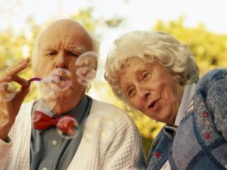 обои Пожилые влюблённые фото