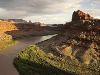 обои Река в каньоне фото