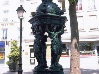 обои Статуя - четыре девушки фото