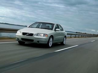 обои Volvo S60 серого цвета вид спереди фото
