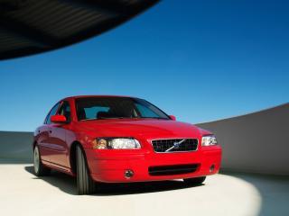обои Volvo S60 красного цвета крупный план вид спереди фото