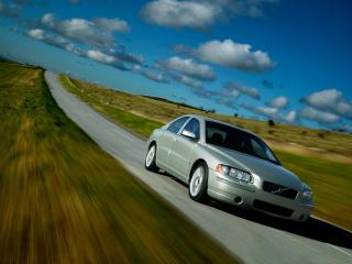 обои Volvo S60 серого цвета в движении фото